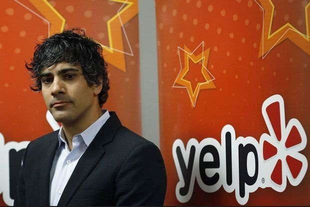 Yelp licencie mille personnes