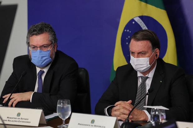 Brazilië: regering herschikt nadat ministers van Defensie en Buitenlandse Zaken opstappen