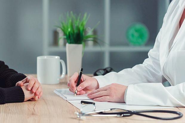 Le médecin conclut librement des conventions de collaboration