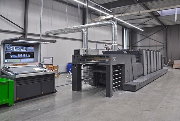L'imprimerie Bosmans met en service la première presse RMGT 920ST en Belgique spécialement équipée pour le cartonage