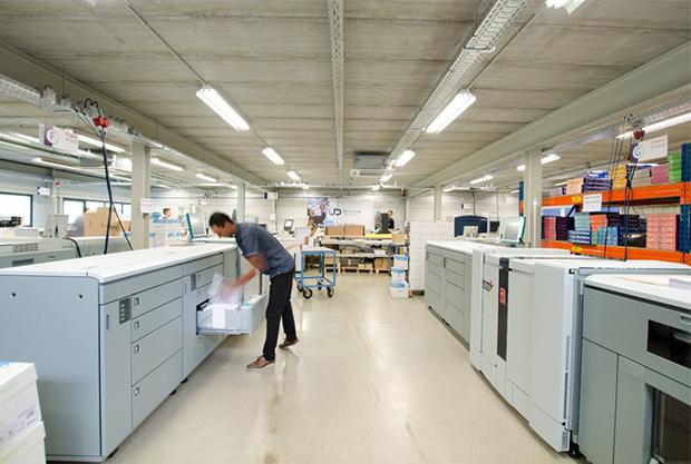 Universitas passe à la vitesse supérieure grâce à ses magasins rénovés, une nouvelle offre et un nouveau parc de machines Canon