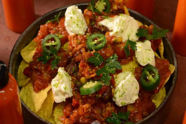 Nacho's met chili con carne van kip