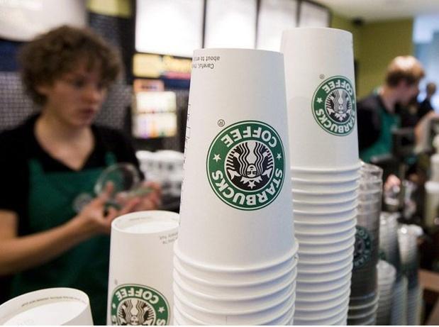 Voor echt recyclebare papieren bekers moet je niet bij Starbucks zijn