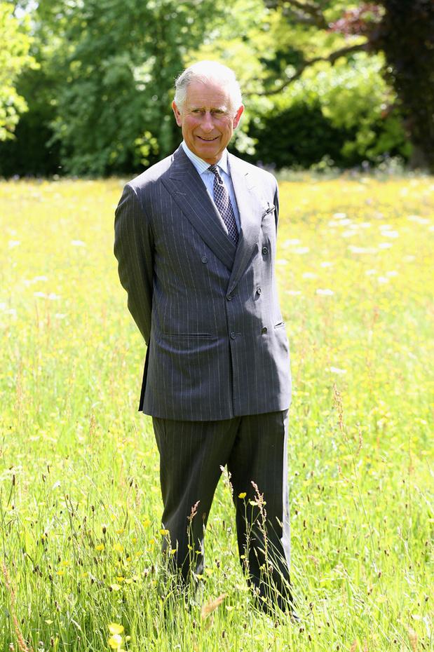 Le prince Charles, un pied dans la mode durable, en collaboration avec Vin + Omi