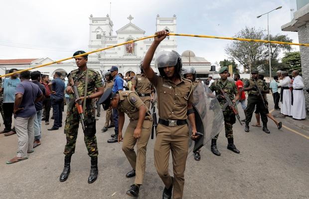 Explosions au Sri Lanka: Huit personnes arrêtées en lien avec la vague d'attentats