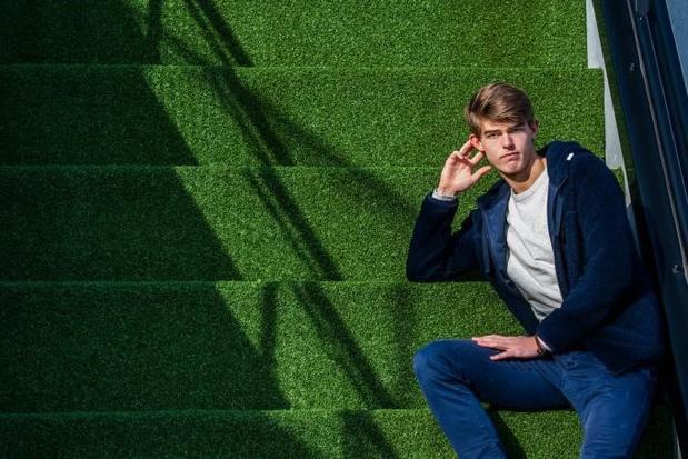 Charles De Ketelaere: 'Ik scheurde als jonge gast elke week de poster uit Sport/Voetbalmagazine'