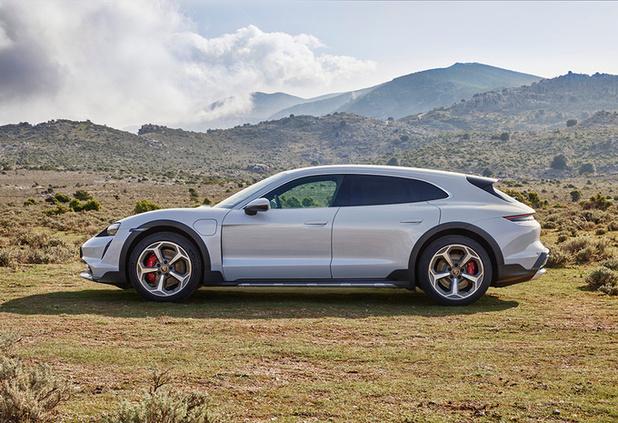 Porsche Taycan nu ook als Cross Turismo