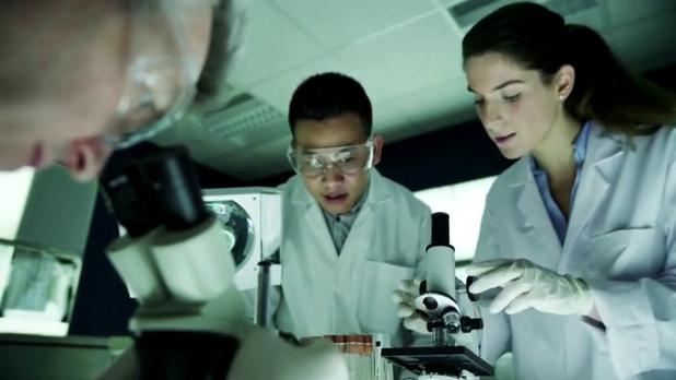 UCB et Microsoft étendent leur partenariat dans la recherche de médicaments