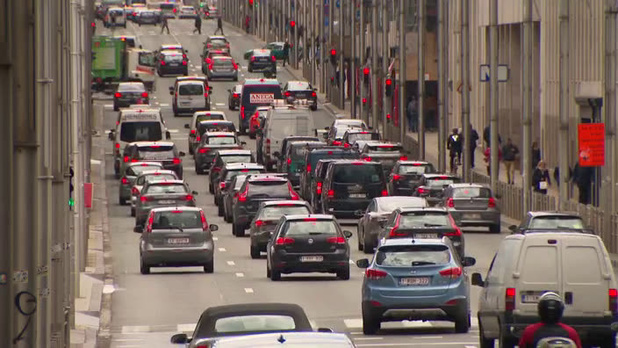 Taxe kilométrique à Bruxelles: tir de barrage de la majorité en Flandre