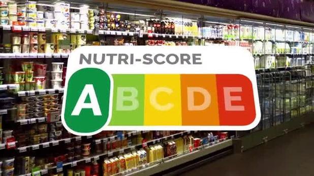 Des eurodéputés chassent le Nutri-Score dans un supermarché pour le rendre obligatoire