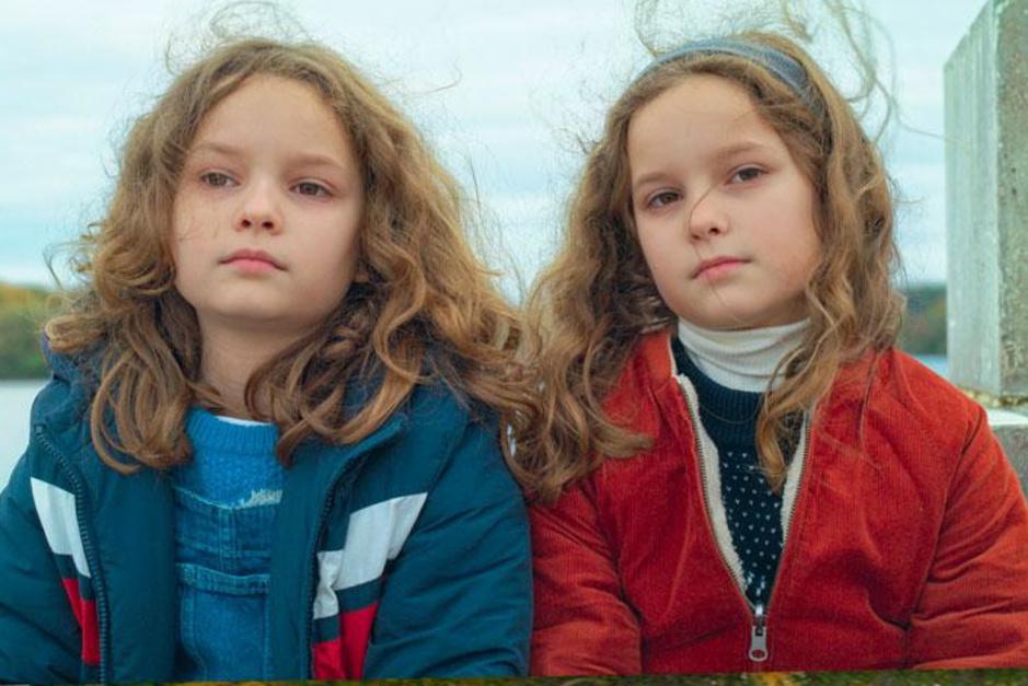 Waarom kleine, fijne familiefilm 'Petite maman' in coronatijden nog net iets harder aankomt