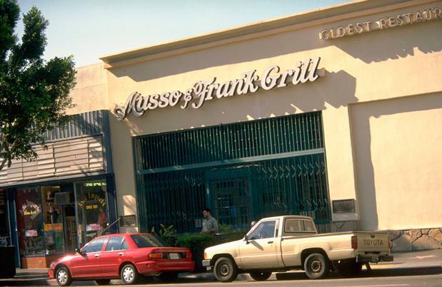 Mythique restaurant des stars à Hollywood, Musso & Frank fête son centenaire