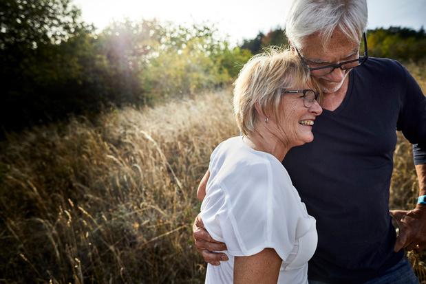 Voel jij je ook gelukkiger op je 60ste dan op je 40ste?