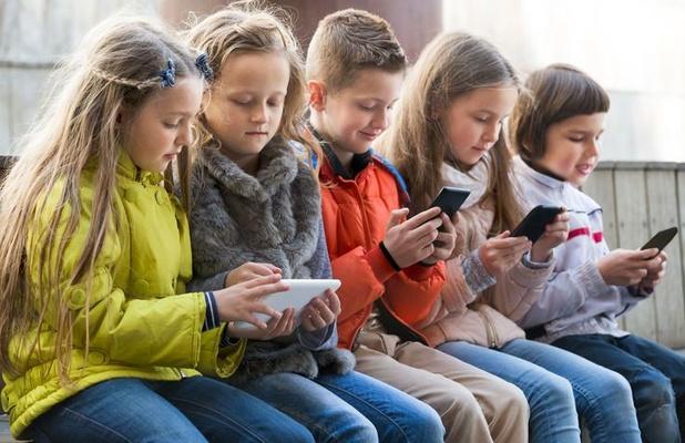 Ontwikkeling van 'Instagram voor kinderen' op pauze gezet