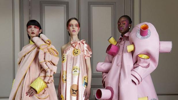 Van miniatuurmode tot zeemeerminnen: de hoogtepunten van de eerste digitale modeweken
