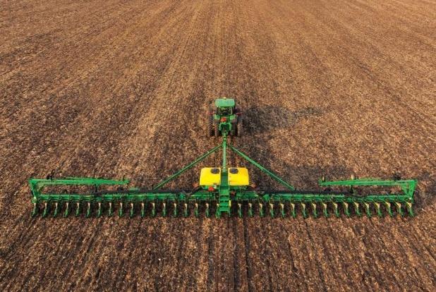 Deere & Company ziet verkoop landbouwmachines minder dalen dan verwacht