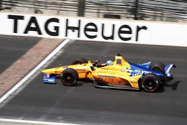 Fernando Alonso détruit sa voiture à Indianapolis (vidéo)