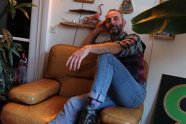 Steven Gerard wil hulpsticker ontwerpen om aan je raam te hangen - Krant van Westvlaanderen
