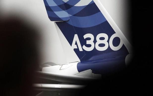 Inquiétude sur des risques de fissures aux ailes des Airbus A380 les plus anciens