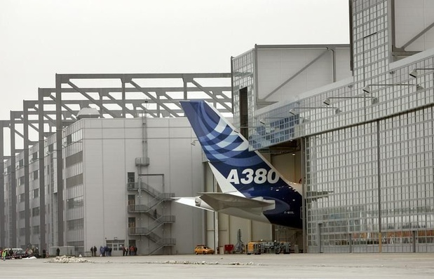Airbus annule dividendes et objectifs
