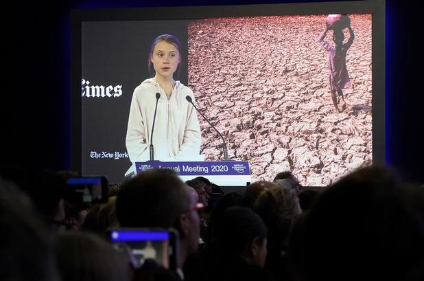 """Greta Thunberg accuse Davos d'avoir """"ignoré"""" les revendications climatiques"""