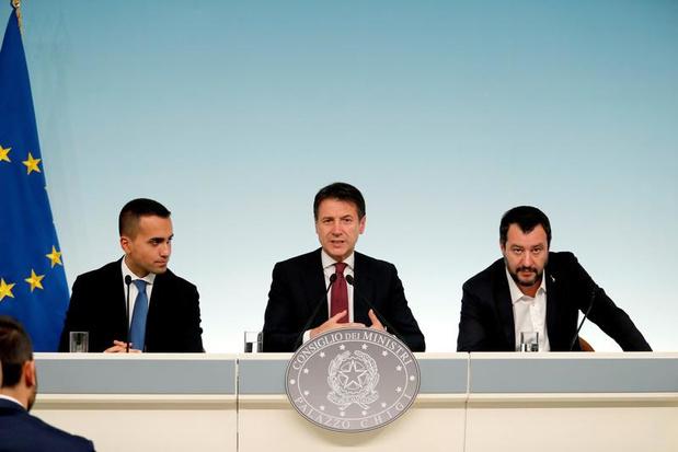 """""""L'Italie a décidé de sortir des clous imposés par la Commission et de s'asseoir dessus. Mais s'asseoir sur des clous, ça peut faire mal"""""""