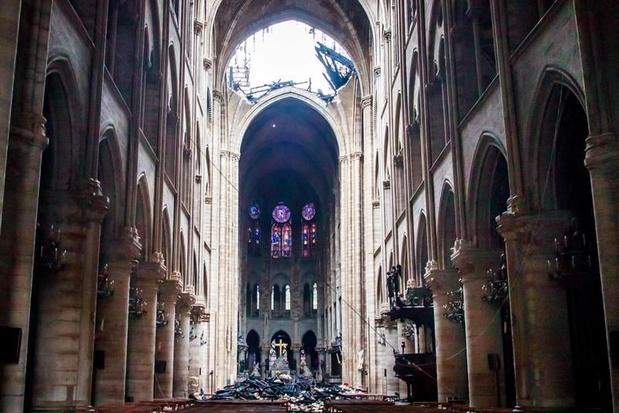 """Notre-Dame: une """"opération de communication"""" des grandes fortunes?"""