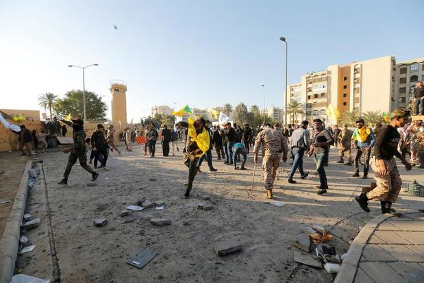 L'ambassade américaine à Bagdad prise d'assaut par des manifestants, Washington envoie des renforts