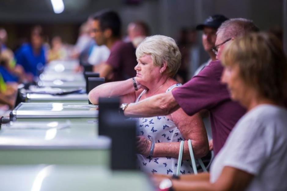 Le chaos dans les aéroports suite à la faillite de Thomas Cook (en images)