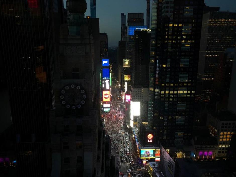 Blackout à New York: Les images insolites de Manhattan plongée dans le noir
