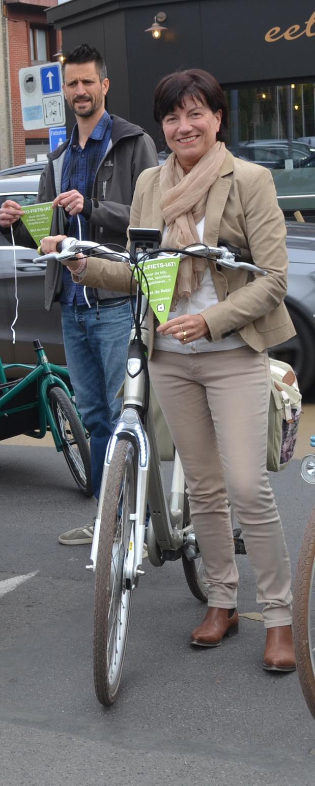 Dieven aan de haal met elektrische fiets van schepen Regine Rooryck