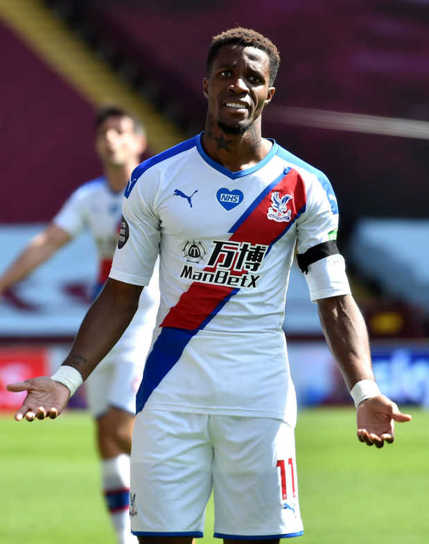 "Wilfried Zaha victime d'insultes racistes: ""Les choses doivent changer"""
