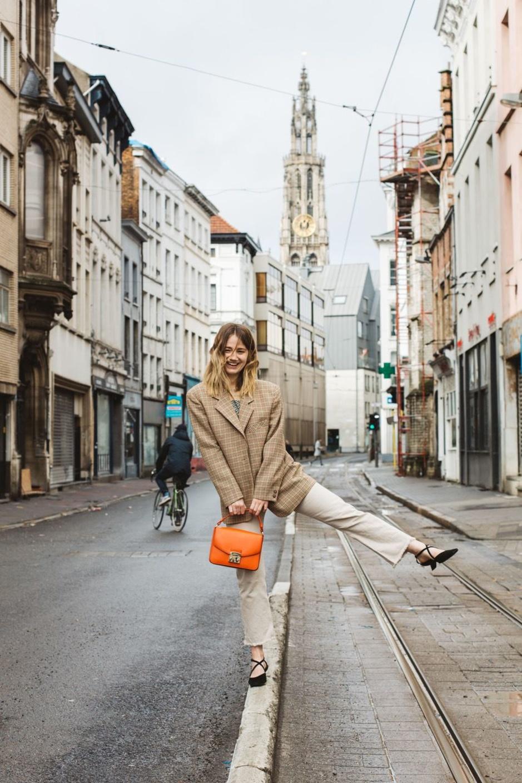 Astrid (27) shopt vooral tweedehands: 'Duurzame mode kopen hoeft geen opoffering te zijn'