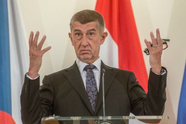 Ongeveer 250.000 manifestanten eisen in Praag ontslag van Tsjechische premier