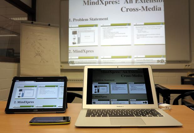 Un chercheur de la VUB a mis au point un logiciel de présentation entièrement nouveau: 'On perd trop de temps avec PowerPoint'