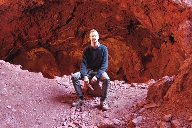 'Ondergronds' van Will Hunt: schuilen en huiveren onder het aardoppervlak
