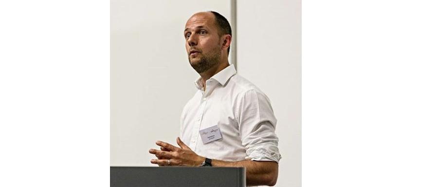 Jan Schuer, oprichter en bedrijfsleider van Smartbit: het bedrijf achter het digitale schoolplatform Smartschool.