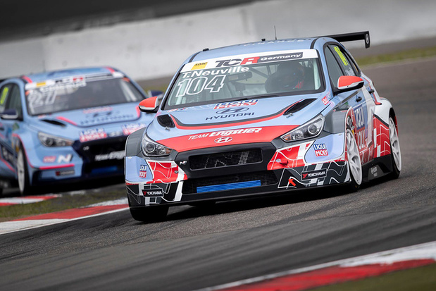 Thierry Neuville wint ook op circuit
