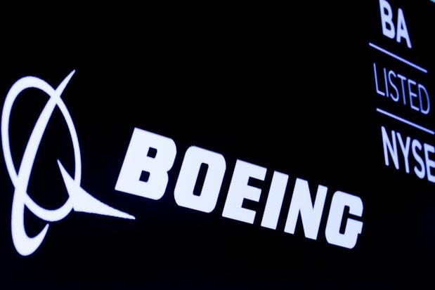 Boeing ziet leveringen met de helft dalen
