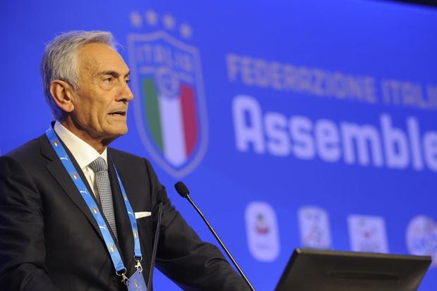 Italiaanse bondsvoorzitter roept op om VAR te gebruiken tegen racisten in stadions