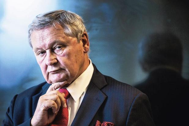 """L'ex chef de cabinet du roi: """"j'espère que nos dirigeants garderont l'esprit clair"""""""