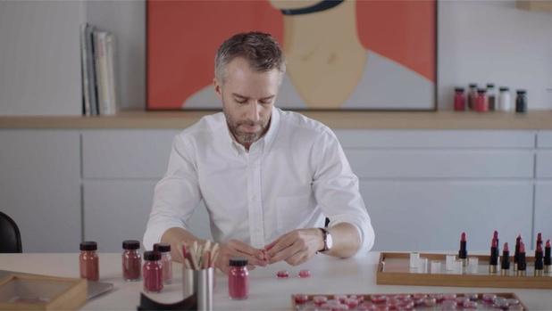 Hermès lanceert eerste lippenstiftlijn: 'Make-up mag nooit opschepperig zijn'