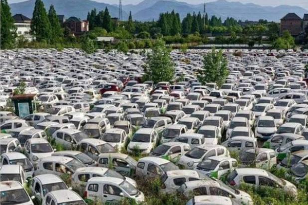"""Factchecking: Non, ceci n'est pas un """"cimetière"""" français pour voitures électriques"""