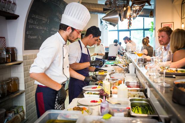 Chefs wereldwijd delen hun fornuis met vluchtelingen tijdens Refugee Food Festival