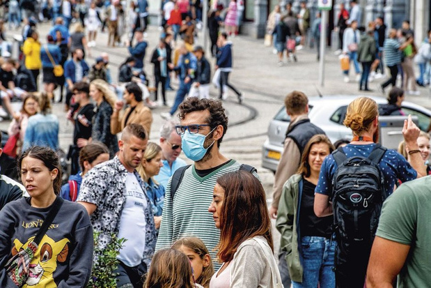 Coronavirus : pourquoi très peu de Néerlandais portent-ils un masque?