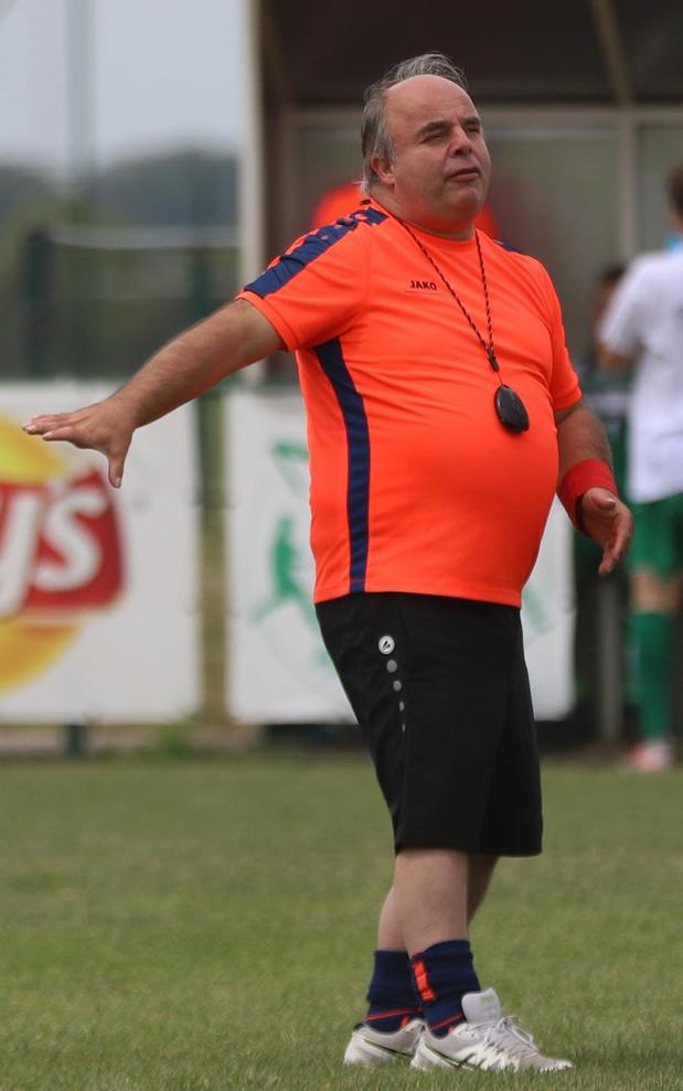 Trainer Kurt Deseintebein wil promoveren met NSVD Handzame (4A)