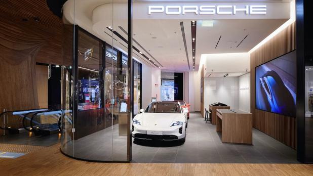 Porsche inaufure un nouveau Concept Store à Milan