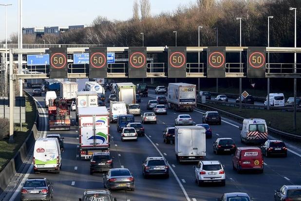 """Une taxe kilométrique """"super intelligente"""", la solution miracle pour en finir avec les embouteillages ?"""