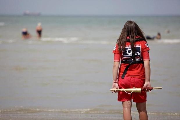 Vrijwillige Blankenbergse Zeereddingsdienst moet collega uit zee redden