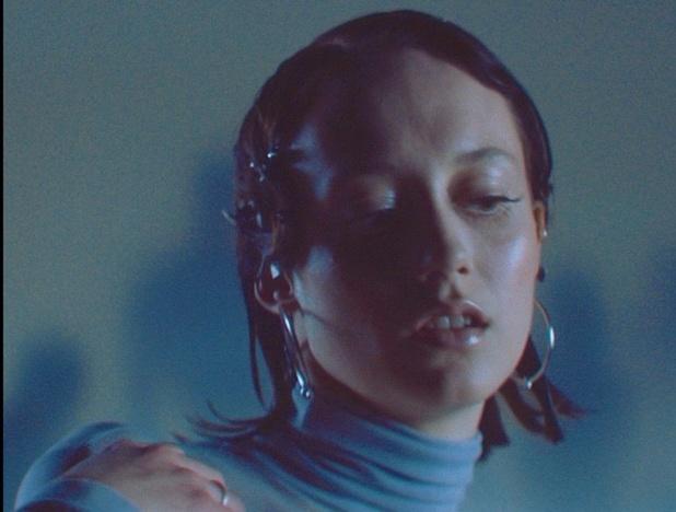 Luister: Tessa Dixson covert Lou Reed voor themalied van Wecandance